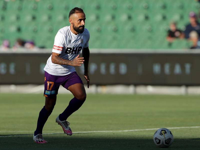 Perth's 38-year-old Diego Castro continues to delight in an A-League where youth is blossoming.